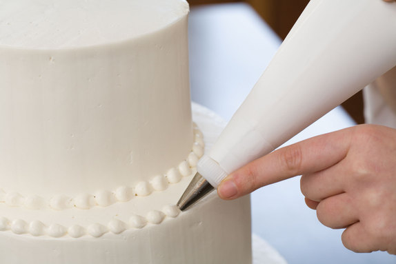 Cake Decorating Writing Techniques : Aniey z Delight: Secrets to Making a Wedding Cake