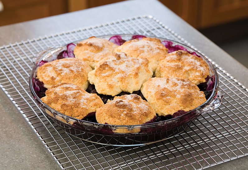 blueberry cobbler blueberry cobbler cheesecake with blueberry topping ...