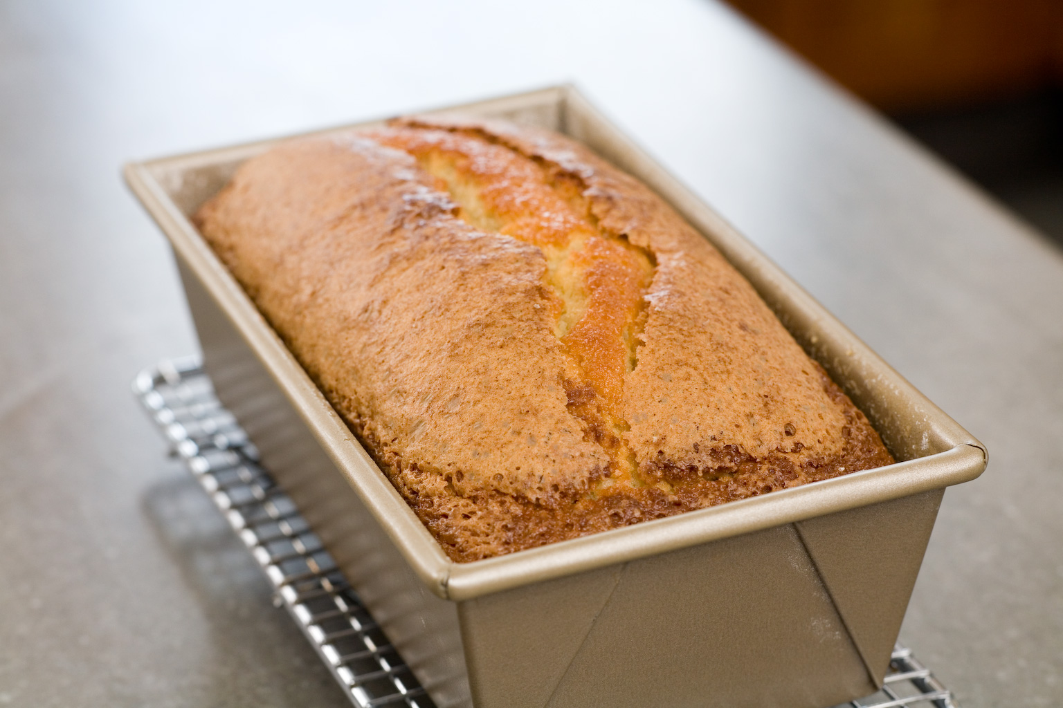 HOW TO MAKE EASY POUND CAKE